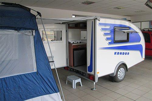 kondor kleiner wohnwagen f r 2 personen. Black Bedroom Furniture Sets. Home Design Ideas